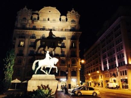 barcelona-spain-monument-flag-catalonia-night-